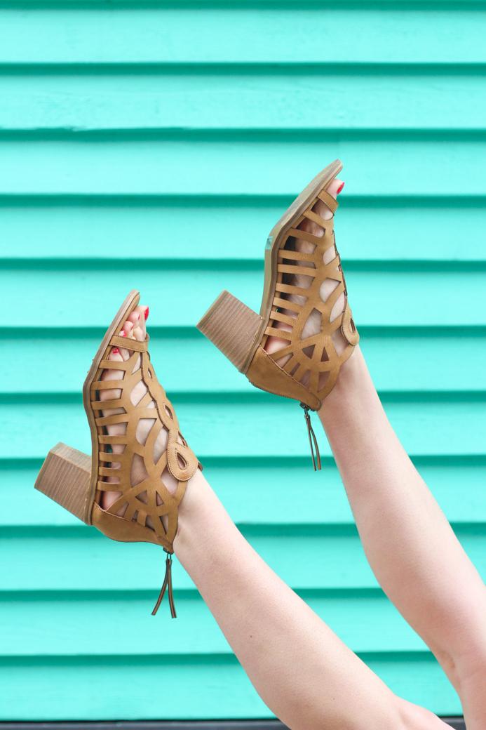 reportfamousfootwear