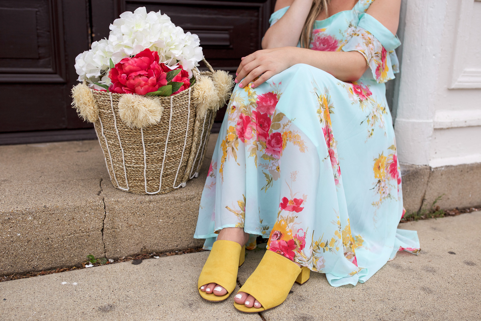 Not sure what to wear to a baby shower? Chicago fashion blogger Happily Inspired is sharing her favorite baby shower dress outfit under $60.