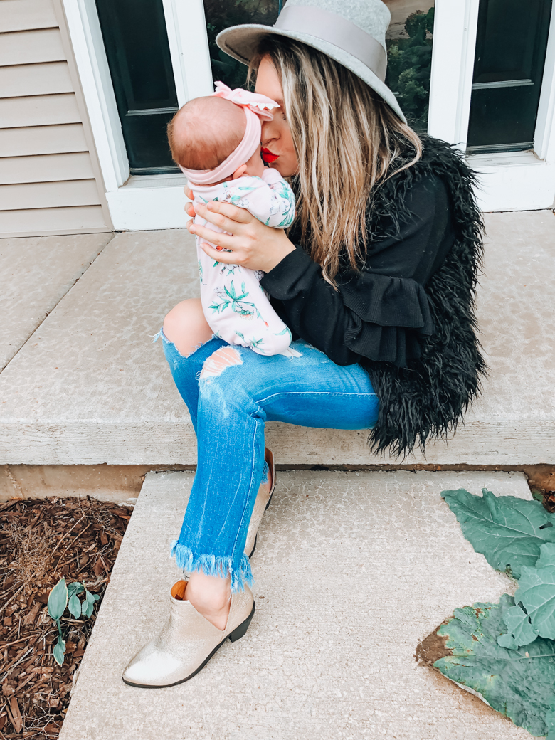 Don't feel a connection with your baby? You're not alone. Today, I'm sharing my experience and why you should ask for help | Chicago Motherhood Blogger