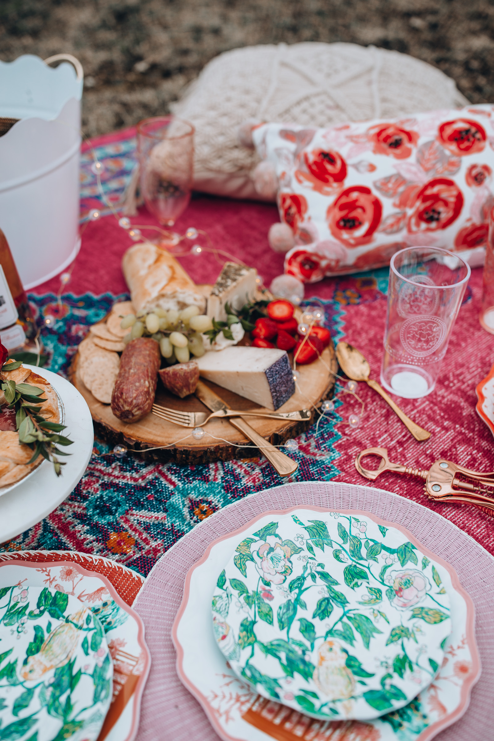 gorgeous colorful picnic | Chicago Lifestyle Blogger