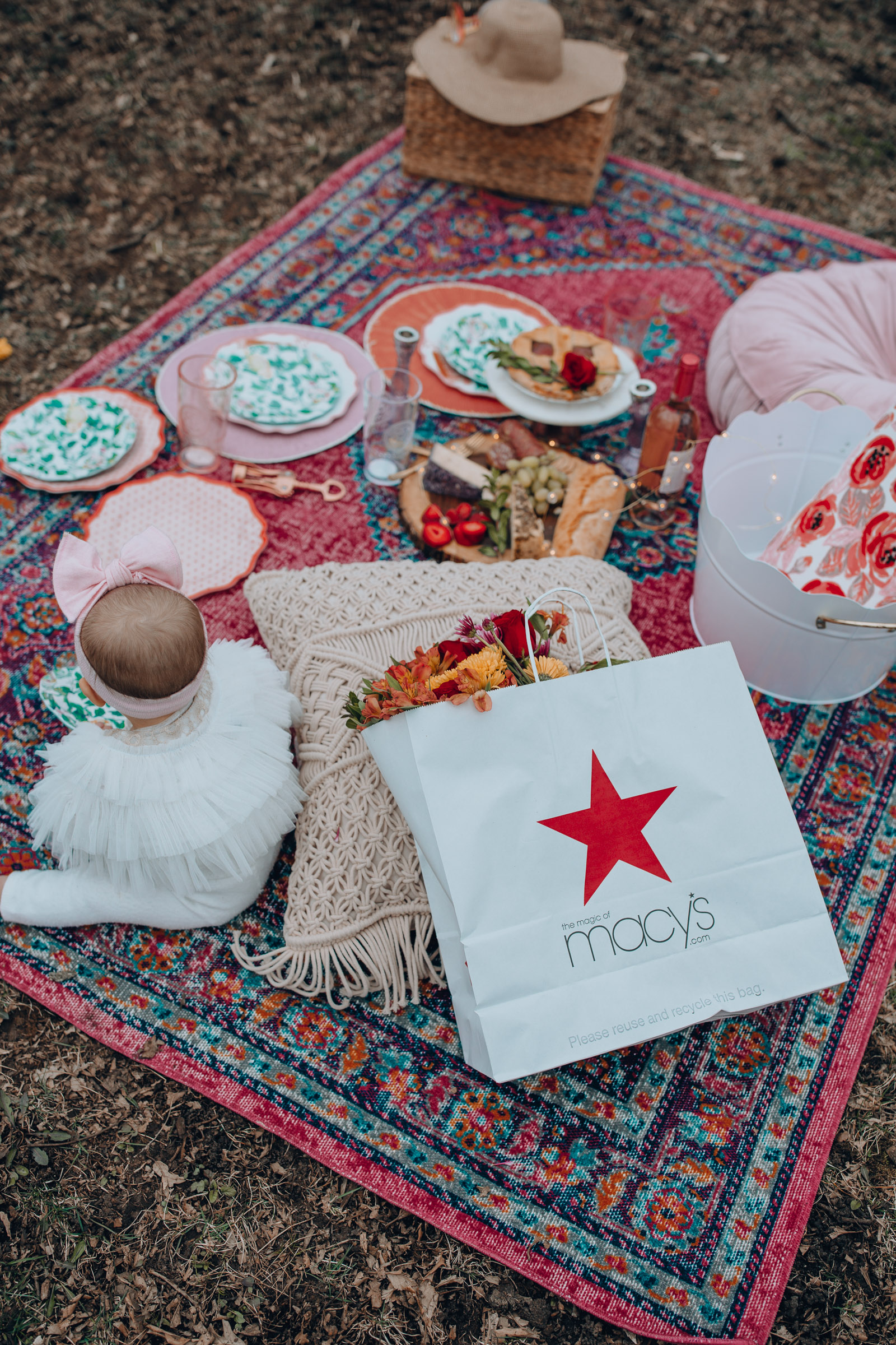 Chicago lifestyle blogger Happily Inspired is sharing the most colorful, bright, and fun Mother's Day Picnic set up. Think all things bright and colorful!