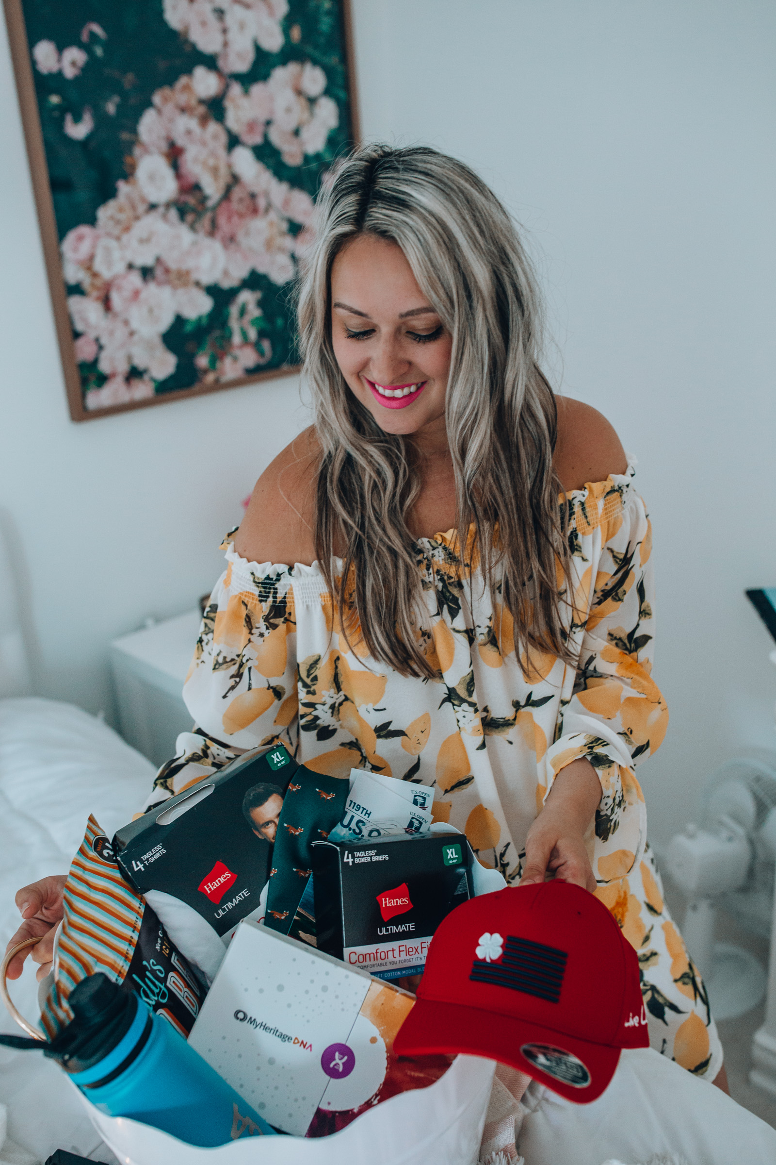 Chicago lifestyle blogger Happily Inspired is rounding up her favorite gifts for my fellow last-minute shoppers in this father's day gift guide.