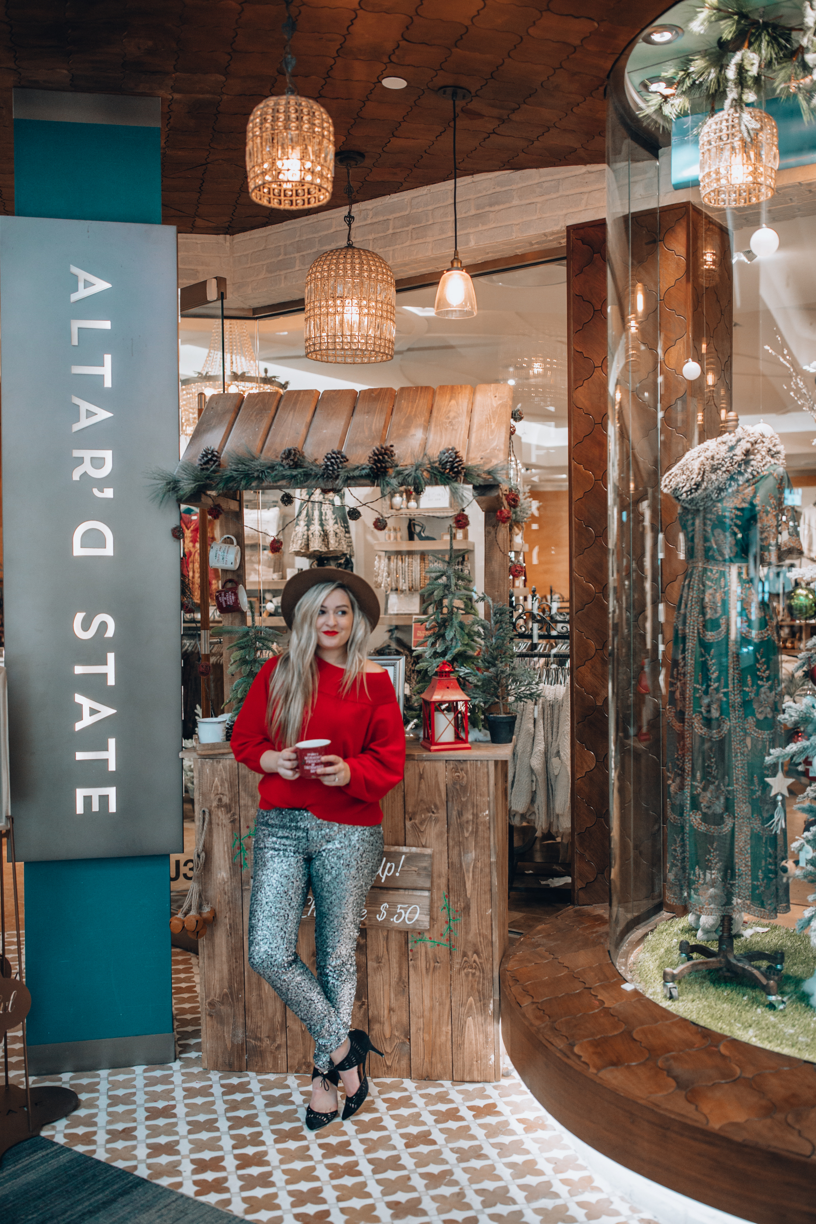 f661f09d274 Woodfield Mall | Chicago Lifestyle Blogger Shares Top Picks for Holidays
